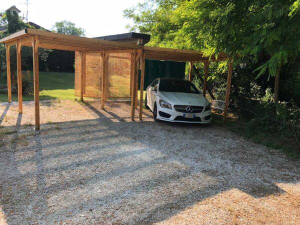Carport in legno giardino
