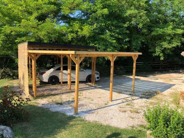 Carport in legno parcheggio auto