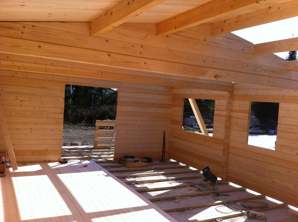 Casetta in legno mod toscana i for Modello di casa bungalow