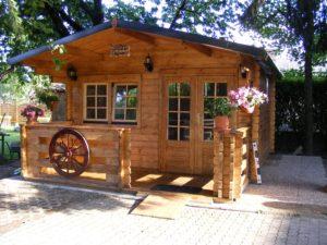 casetta in legno con verenda modello Milano