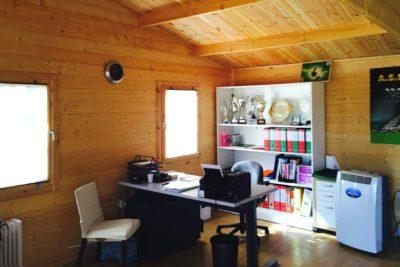 Casette in legno uso ufficio: lavorare in giardino