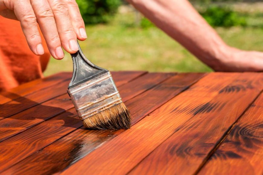 Come verniciare le casette in legno