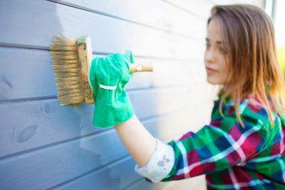 Impregnante per legno: proteggi la tua casetta